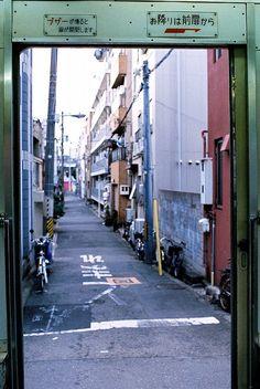 The tram's door was opened! by Atsuhiko Takagi on Flickr.