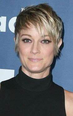 Teri Polo-Short Haircuts for Women Over 40