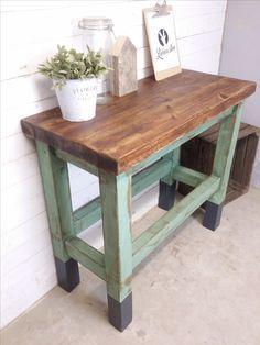Shabby Tisch/Werkbank/Küchensinsel aus rustikalem Holz