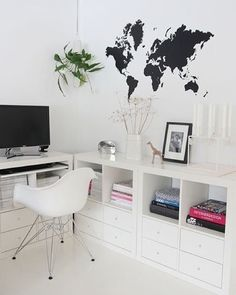 You won't mind getting work done with a home office like one of these. See these 20 inspiring photos for the best decorating and office design ideas for your home office, office furniture, home office ideas Home Office Space, Home Office Design, Home Office Decor, Home Decor, Office Ideas, Ikea Office, Office Setup, Office Table, Office Designs