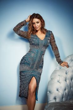 Corrie's Catherine Tyldesley models Littlewoods' party collectionprimamagazine Source by tjmcilwaine abiti Curvy Women Outfits, Clothes For Women, Catherine Tyldesley, Cute Beauty, Party Dress, Wrap Dress, Sexy Women, Bodycon Dress, Celebs