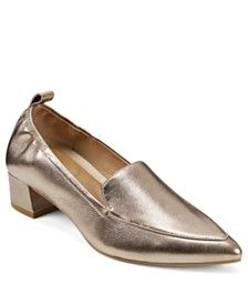 Jewel Badgley Mischka Robles Ornamented Pumps & Reviews - Pumps - Shoes - Macy's Casual Loafers, Casual Sneakers, Pump Shoes, Shoe Boots, Best Wedding Guest Dresses, Kitten Heel Pumps, Plus Size Shopping, Badgley Mischka, Travel Style