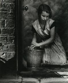 Young housewife, Bethnal Green, London, 1937 - photo by Bill Brandt // flat hunting? Bethnal Green, Man Ray, Photography Gallery, Street Photography, Art Photography, Bill Brandt Photography, Classic Photography, Artistic Photography, Walker Evans