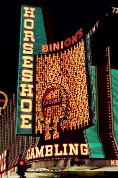ABC Dental Implant Center of Las Vegas offers affordable dental implants, custom dentures & more. Vegas Casino, Las Vegas Nevada, Vintage Neon Signs, Neon Nights, Fallout New Vegas, Old Signs, Tumblr, Neon Lighting, Signage