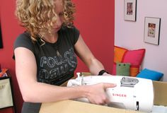 From Urban Threads, machine embroidery sites: 5 Must-See Tutorials For Getting Started In Machine Embroidery Free Motion Embroidery, Machine Embroidery Projects, Machine Embroidery Applique, Machine Quilting, Embroidery Machines, Embroidery Thread, Janome, Embroidery Monogram, Embroidery Ideas