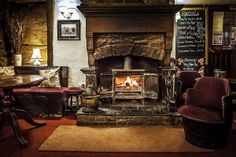 I love a nice, cosy pub to chill out in when the weather's rotten - New faces at the Cross Keys Inn | Saddleworth Independent