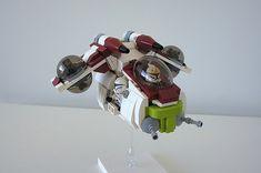 chibi Lego Republic Gunship by Ynnx on Flickr via The Brothers Brick LEGO Blog