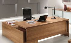 Minimalist and Luxurious Contemporary Home Office Design with Wooden Desk