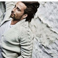 """""""I've been having a little break but now I'm getting hungry to work again. It's like an itch that has to be scratched.""""# Can you stand the itch to run your fingers through that hair? Travis Fimmel, Mattias Schoenaerts, Gorgeous Men, Beautiful People, A Little Chaos, Getting Hungry, Dream Guy, Perfect Man, Cool Cats"""