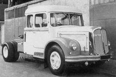 ▐ SAURER France | Baumaschinenbilder.de - Forum | Oldtimer-LKWs | Saurer France Semi Trucks, Old Trucks, White Tractor, Cab Over, Transporter, Commercial Vehicle, Custom Trucks, France, Volvo