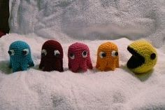 Free Retro Crochet Patterns-- Haha PacMan I so have to make these for MY shelf.... played this as a teen all the time.