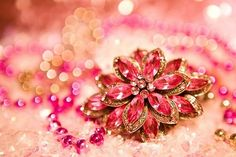 Pretty rhinestone jewelry Pretty, beautiful things or places Pretty In Pink, Pink Love, Pink And Gold, Hot Pink, Purple, Matilda, Vintage Brooches, Vintage Jewelry, I Believe In Pink