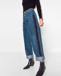 MOM FIT JEANS WITH SIDE STRIPES