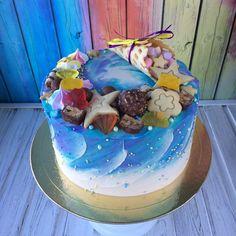 Под фото этого торта я сообщаю, что до конца мая нахожусь в творческом отпуске:) . Кто успел-тот заказал, новые заказы не беру. Разве что на 31-е... может быть  . И ещё раз большое спасибо всем за вчерашний эфир!! Очень много приятных слов и пожеланий! Благодарю!!