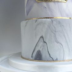 These marble cakes are really cool looking too