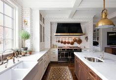 Top Home Interior Design Kitchen Hoods, Kitchen Stove, New Kitchen, Updated Kitchen, Kitchen Island, Home Decor Kitchen, Interior Design Kitchen, Kitchen Ideas, Kitchen Inspiration