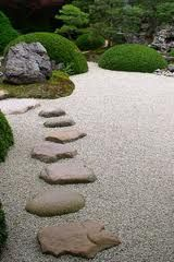 A Japanese flat garden with shrubs ( shaped with care and attention to detail) , gravel dry water and a carefully set stone pathway travelling across the body of dry water. Really effective and relatively easy to do - the setting of the stones has to be f Dry Garden, Garden Paths, Modern Japanese Garden, Japanese Gardens, Plant Design, Garden Design, Stepping Stone Paths, Patio Layout, Landscaping With Rocks
