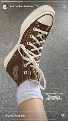 Dr Shoes, Swag Shoes, Hype Shoes, Me Too Shoes, Mode Converse, Brown Converse, Converse Shoes, Sneakers Fashion, Fashion Shoes