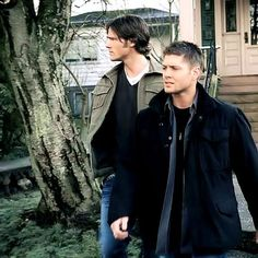 """Jensen Ackles as Dean Winchester and Jared Padalecki as Sam Winchester - Supernatural 2x17 """"Heart"""""""