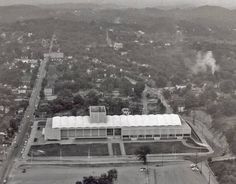 Civic Coliseum 1961 Tn Usa, Tennessee Usa, Smoky Mountains Cabins, Old Photos, Nashville, Paris Skyline, Beautiful Homes, Past, Vegas