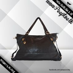 Don't we all love a lil bit of attention?     #handbag #blackbag #ladiesbag  http://www.peeptoe.lk/
