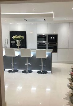 Kitchen Top choice The post Kitchen Top choice appeared first on Best Pins for Yours - Kitchen Decoration Luxury Kitchen Design, Kitchen Room Design, Contemporary Kitchen Design, Luxury Kitchens, Kitchen Layout, Home Decor Kitchen, Interior Design Kitchen, Home Kitchens, Kitchen Ideas
