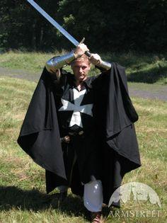 medieval-wool-crusader-cloak-3.jpg (599×800)