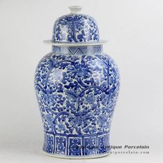 Hand paint blue and white floral porcelain container