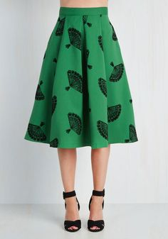 B. Jones Style Skirt in Pine From the Plus Size Fashion Community at www.VintageandCurvy.com