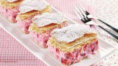 Jogurtovo-jahodové krémeše Czech Recipes, Pavlova, Dessert Recipes, Desserts, Nutella, Sandwiches, Fish, Meat, Breakfast