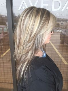 Chunky Blonde Highlights In Light Brown Hair Chunky Blonde Highlights, Balayage Blond, Hair Highlights, Platinum Highlights, Color Highlights, Bronze Highlights, Caramel Highlights, Blonde Hair, Hair Color And Cut