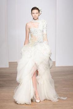 Robe de mariée Yiqing Yin Haute Couture