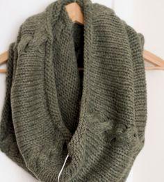 Mosh green scarf