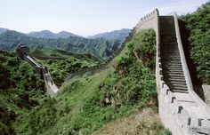 China Great Wall kms to walk on. Art And Architecture, Wonders Of The World, My Dream, Taj Mahal, Beautiful Places, To Go, Around The Worlds, History, Outdoor Decor