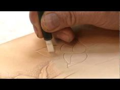 Carving a Leathercraft Leaf - Part 1 Leathercraftstudio.com