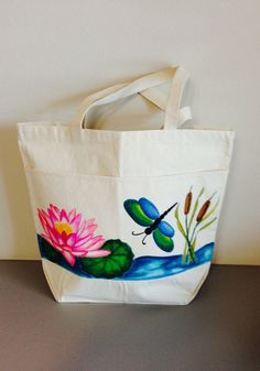 Buggy About Summer (Paying it Forward for Lana) by Debbie Schuessler on EtsyTote Bag with Hand Painted Dragonfly and by GulfLifebyNichole, Painted Canvas Bags, Large Canvas Tote Bags, Fabric Painting, Fabric Art, Fabric Paint Designs, Hand Painted Fabric, Diy Tote Bag, Painted Clothes, Buggy