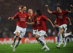 Ferdinand, Vidic, Tevez & Carrick celebrate winning the 2008 European Cup.
