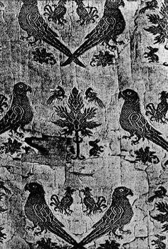 French silk fabric, Paris, half of 13.c. Klosterneuburg. In: 80-7106-146-8, p.76
