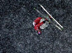 Sochi 2014 Day 12 - Freestyle Skiing Men's Ski Halfpipe Justin Dorey of Canada competes in the Freestyle Skiing Men's Ski Halfpipe Qualification on day 12 of the 2014 2014 Winter Olympics at Rosa Khutor Extreme Park Us Olympics, Winter Olympics, Freestyle Skiing, No Crying In Baseball, Mens Skis, Winter Games, Extreme Sports, Olympic Games, Sport Outfits