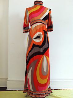 I hope this dress is still for sale after I pay off my loans! Mod Fashion, 1960s Fashion, Timeless Fashion, Vintage Fashion, Geometric Dress, Mode Vintage, Emilio Pucci, Fashion History, Beautiful Outfits