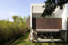Terra Nova House by Isay Weinfeld, Sao Paulo, BrazilDesignRulz5 February 2013Spotted on openbuildings.com,Terra Nova House was realized byIsay Weinfeld inSao Paulo, Brazil. The inhabitants, a youn... Architecture Check more at http://rusticnordic.com/terra-nova-house-by-isay-weinfeld-sao-paulo-brazil/