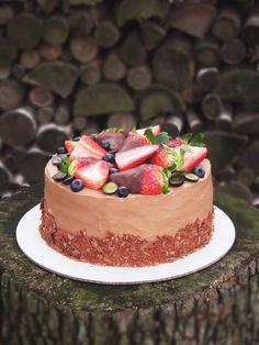 Live to Bake: Čokoládová torta s jahodami Baby Cakes, Chocolate Cake, Cheesecake, Food And Drink, Cupcakes, Jar, Sweets, Baking, Recipes