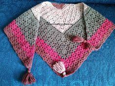 Scialle con nappine filato Mondial Emozione Crochet, Cactus, Anna, Fashion, Crochet Tops, Moda, Fashion Styles, Knit Crochet, Crocheting