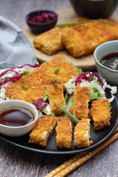Bento, Tonkatsu, Vegan Life, Raw Vegan, Veggie Rolls, A Food, Food And Drink, Chicken Wings, Vegan Recipes
