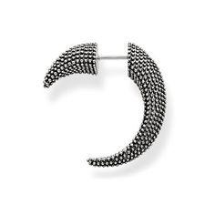 THOMAS SABO Ohrringe aus der Sterling Silver Kollektion. Bitte beachten Sie: Der Preis dieses Artikels bezieht sich auf einen einzelnen Ohrstecker. Wenn Sie ein Paar bestellen möchten, erhöhen Sie die Bestellmenge auf zwei Stück. Der Kathmandu Ohrstecker mit indigenen Elementen in auffälliger Spiralform begeistert durch individuelles Design mit Tiefgang und fügt jedem Look eine spirituelle Note hinzu. [Artikeltabelle]Kategorie:Ohrring Material:925er Sterlingsilber, geschwärzt Maße:Größe ca…