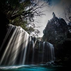 LIGHT'S PRESENCE - Nabega-Taki Falls in Kumamoto, Japan   熊本県 小国町 鍋ヶ滝