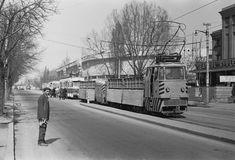 tramvai pentru transport piatra sparta Calea Giulesti 30.03.1976 © Serban Lacriteanu Paris, Busses, Socialism, Vintage Photos, Transportation, Street View, Profile, Bucharest, Montmartre Paris