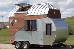 Love teardrop trailers and tiny homes? Well, you can have your cake and eat it too with this ultra\u002Denergy\u002Defficient structure that\u0027s a cross between the two genres.