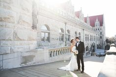 St. Louis spring wedding inspiration : L Photographie || Ceremony: Union Station || Reception: Union Station