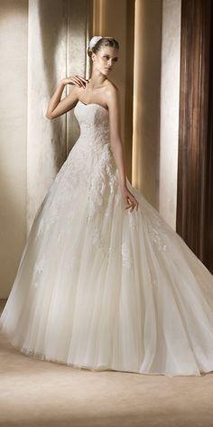 Dress for Bride | Wedding Dress UK | La Novia. Item code 00007477. Pronovias